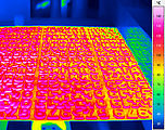 Thermography in the production - baked goods on conveyor belt