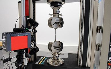 ARAMIS system and InfraTec IR camera - analysis of a tensile test - Picture credits: GOM GmbH