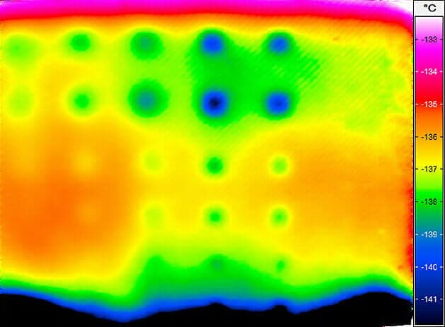 Active thermography in the production of CFC plates