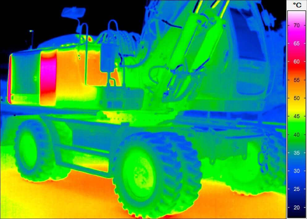 thermal imaging of an excavator