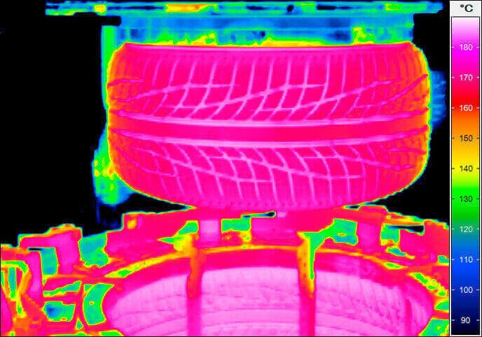 Thermography in tire production