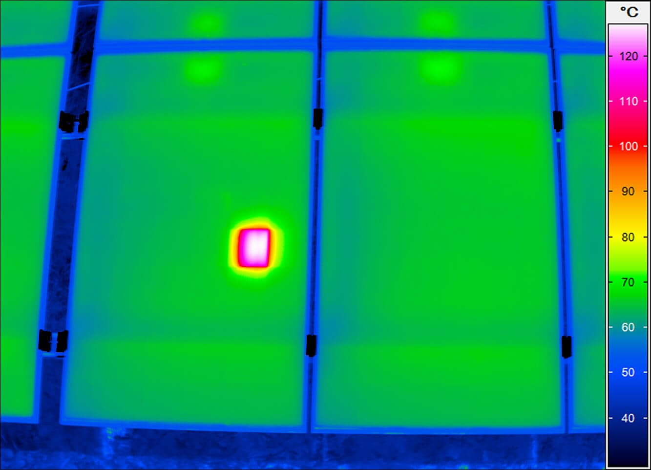Photovoltaic Thermography shows cell failures