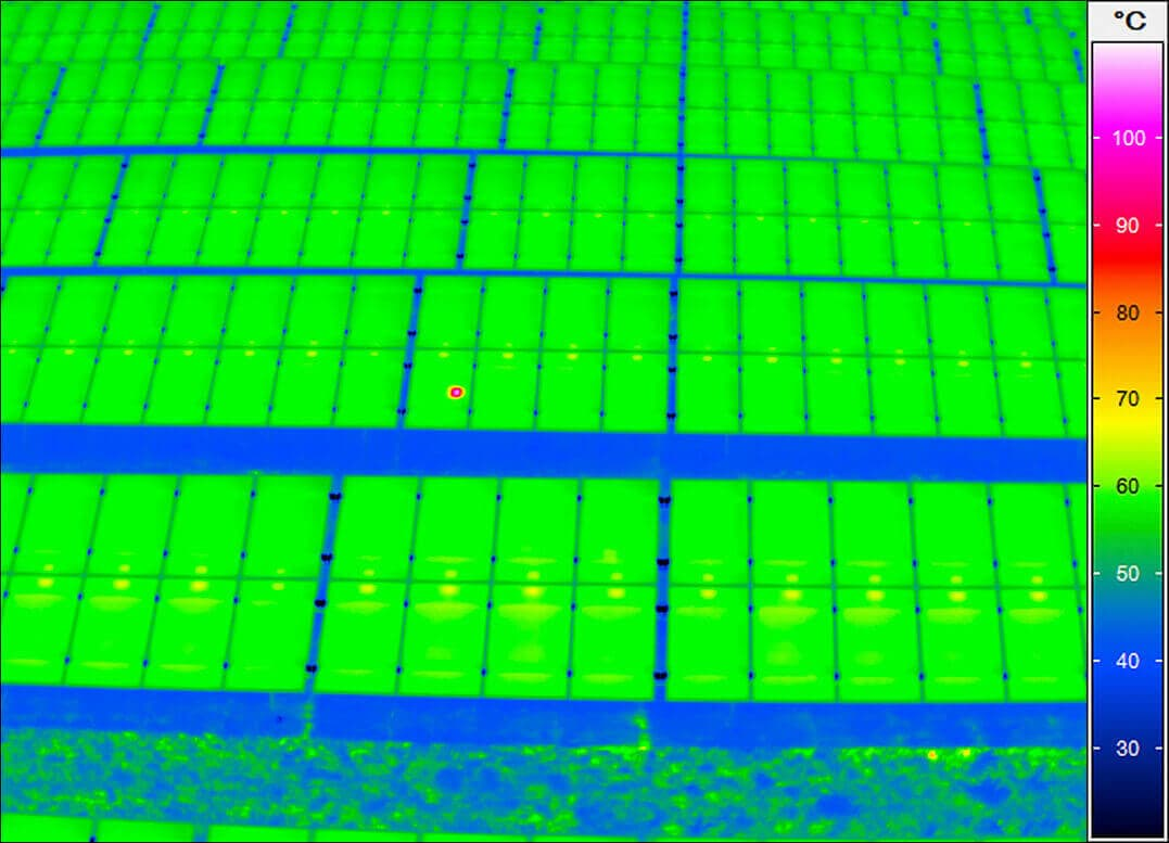 Thermal image of a photovoltaic plant