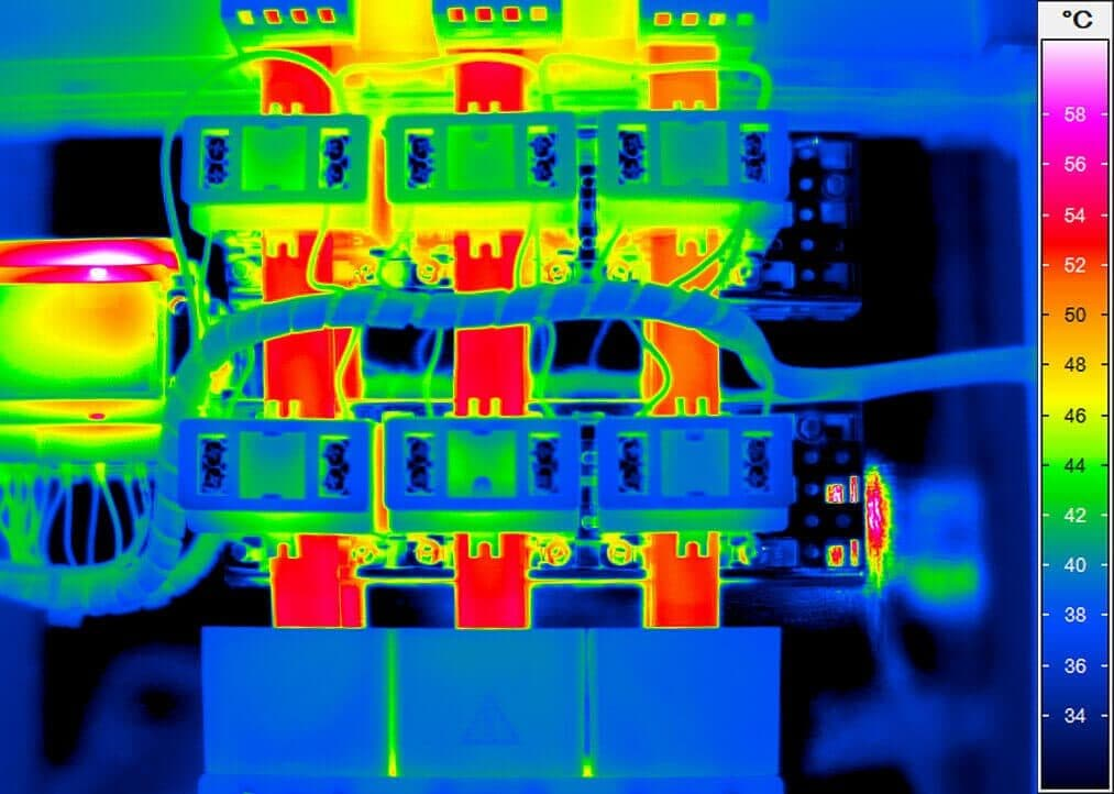 Thermal image of a power rail